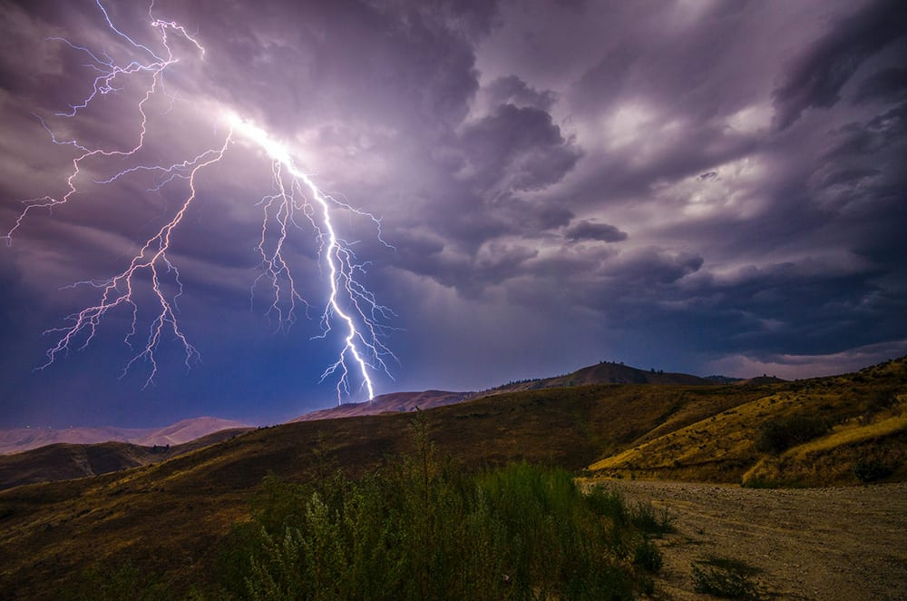 lightning is a natural type of emf